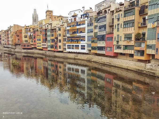 """houses along the Onvar River in Girona"""