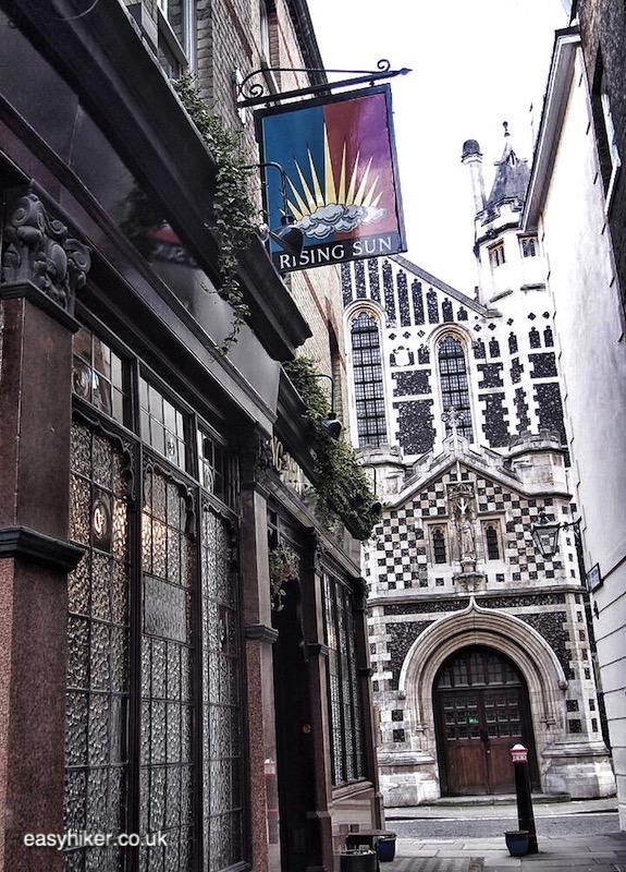 """""""Rising Sun pub along haunted City of London"""""""