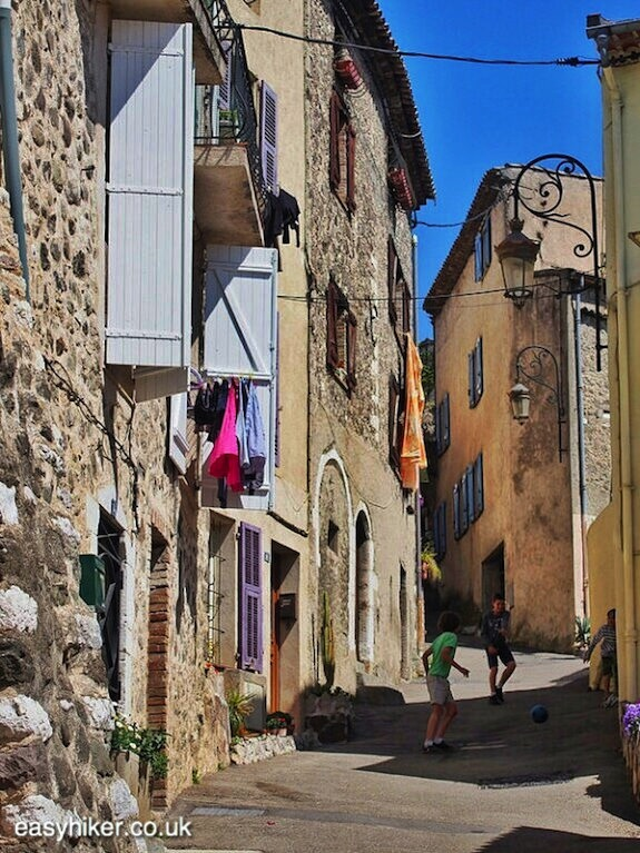 """kids playing in the streets in Villeneuve Loubet - Off the beaten path"""