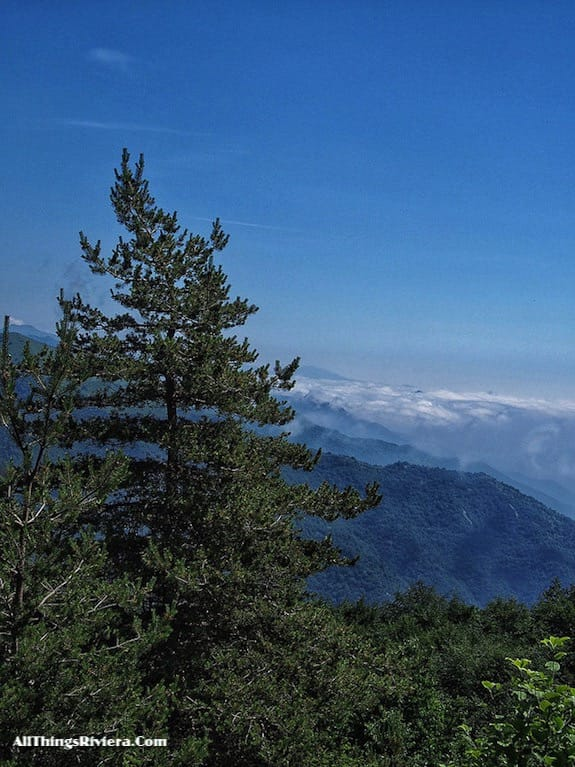 """""""Easy Hiking in the Italian Riviera Backcountry"""""""