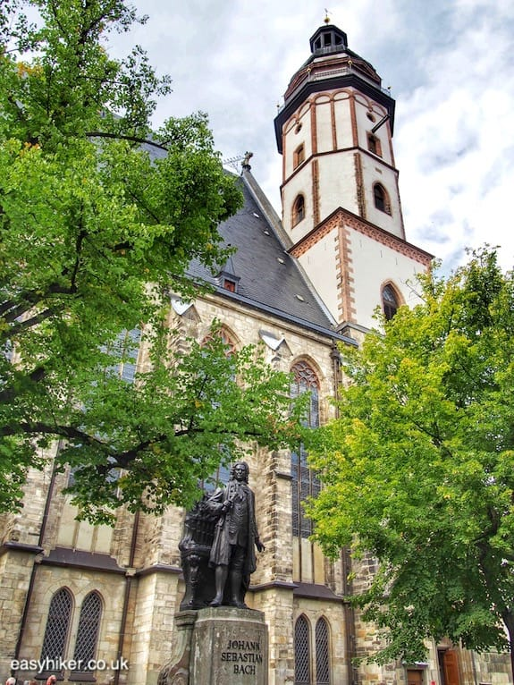 """Thomaskirche in the historical old town of Leipzig"""