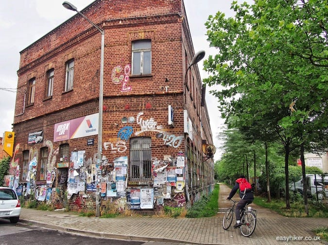 """footpath to graffiti wonderland - How We Experienced Plagwitz"""
