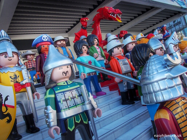 """Playmobil figures in Cannes"""